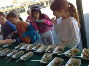 CHRISTINA ROSS LOVE-FED.COM SERVING HEALTHY SCHOOL LUNCHES