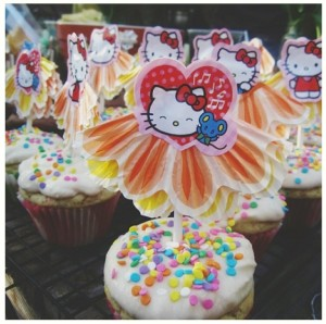 hello kitty diy cupcake topper love-fed.com